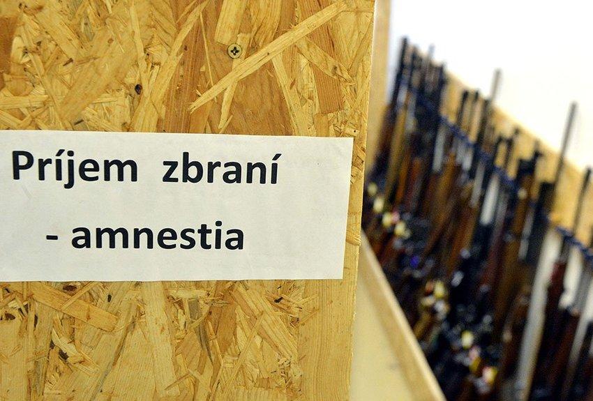 large  KEU Amnestia Zbrane Ilustracne  eda