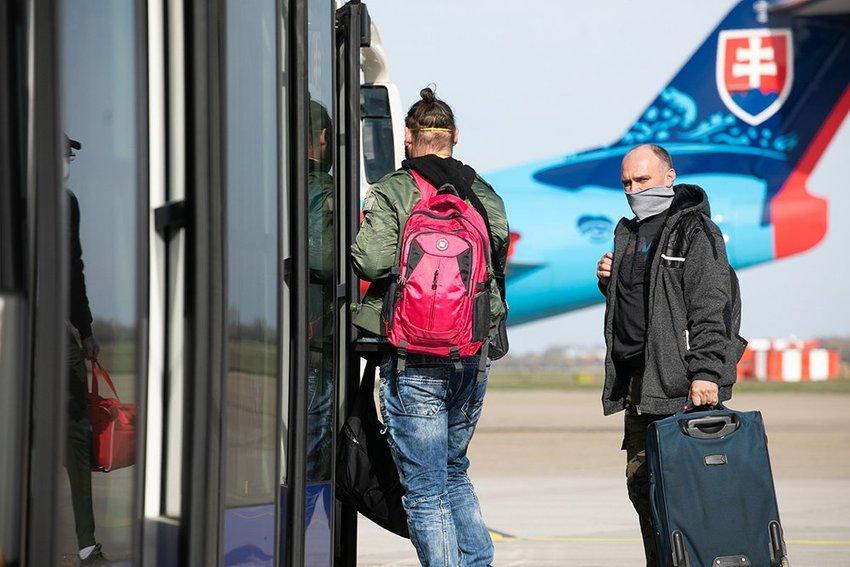 large  Klus repatriacia vladny special letisko  cebcc