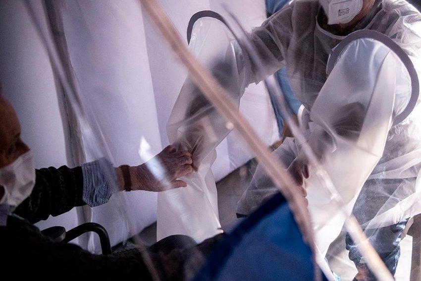 large Virus Outbreak Italy Christmas  feacbffabf acaefd
