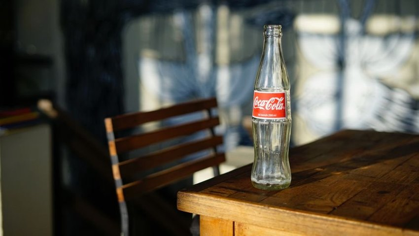 large cocacola aeafe
