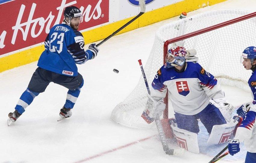 large hokej juniori aacfa