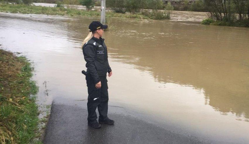 large policajtka acbc