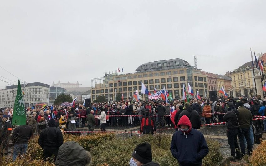large protest Bratislava december cb