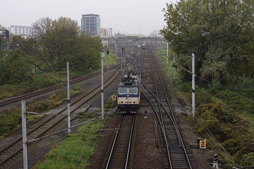large vlak fbdba