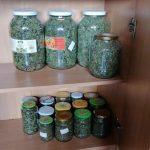 Zaváraniny ukrývali kilá marihuany, policajti zaistili viac ako 18 kg
