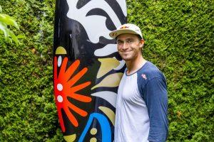 Jakub Grigar ide v Tokiu na vodu s umeleckým dielom