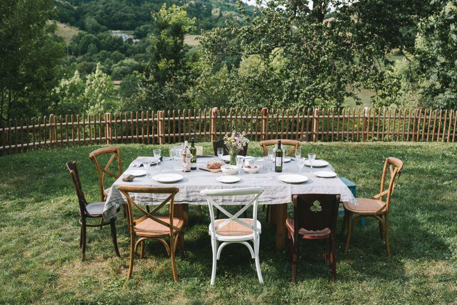 pohostenie v zahrade v Nebi – kopia